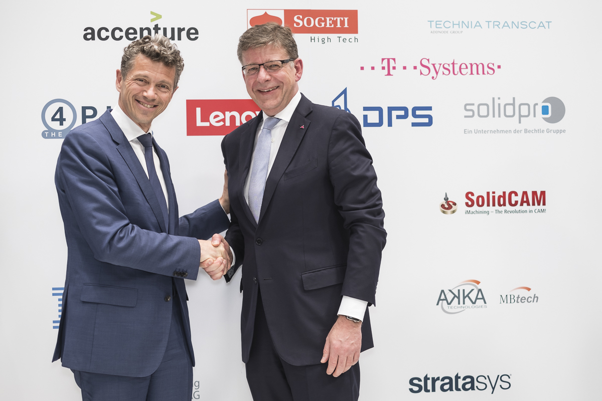 Laurent Blanchard (Dassault Systèmes) and Reinhard Clemens (T-Systems)