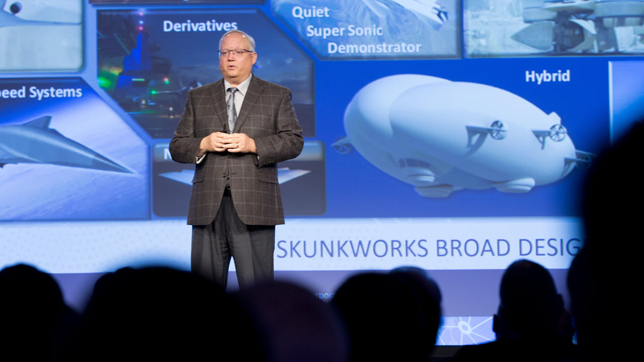 3DEXPERIENCE Modeling and Simulation Conference- Speaker presenting > Image > Dassault Systèmes®